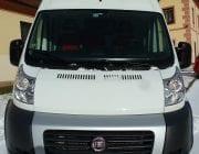 Bílá dodávka Fiat Ducato 13m3