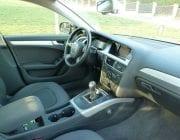 interiér Audi A4 sedan