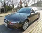 Černý auto Audi 4 sedan
